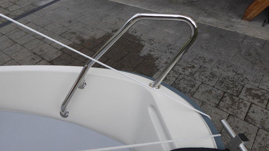 Terhi 400 Kleinboot Bugbügel vorne
