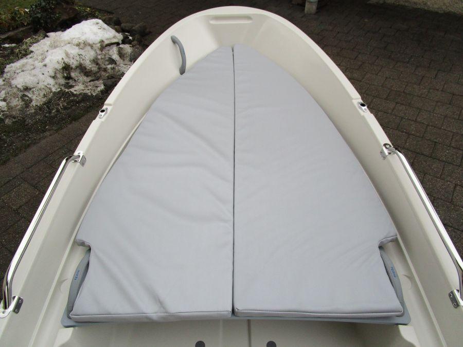 Terhi 400 Kleinboot mit Sitzpolster