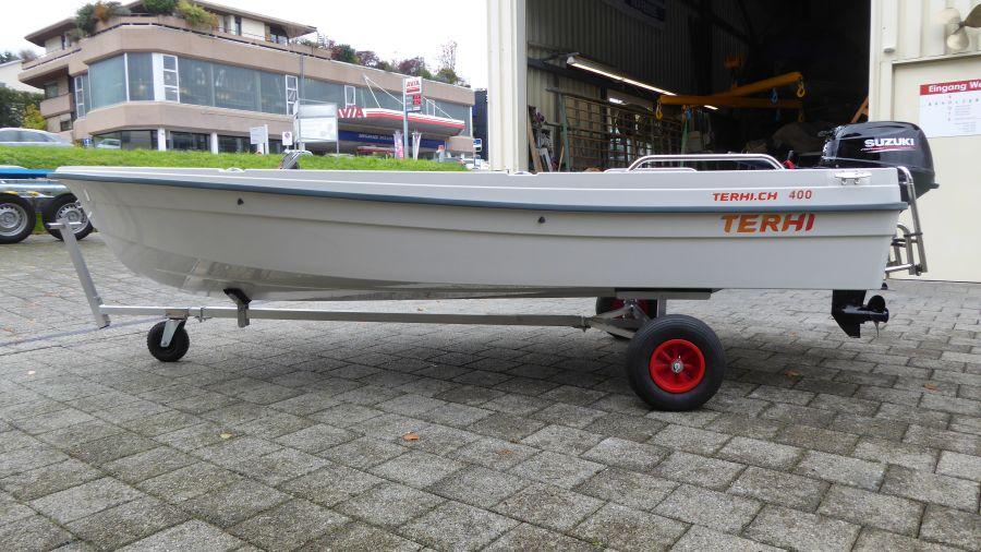 Terhi 400 Kleinboot mit Handslipwagen