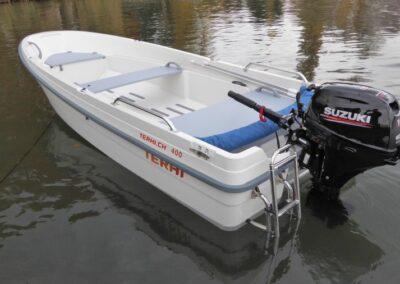 Terhi 400 Kleinboot mit Aussenborder von Suzuki