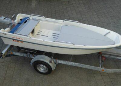 Terhi 400 Kleinboot mit Liegefläche