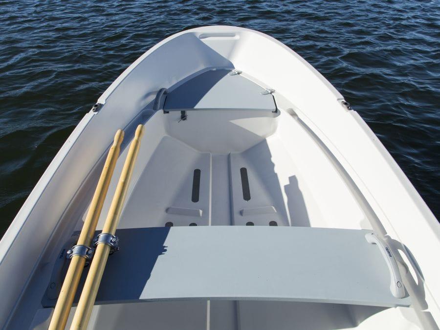 Terhi 400 C Kleinboot mit Sitzfläche und Ruderverstauung