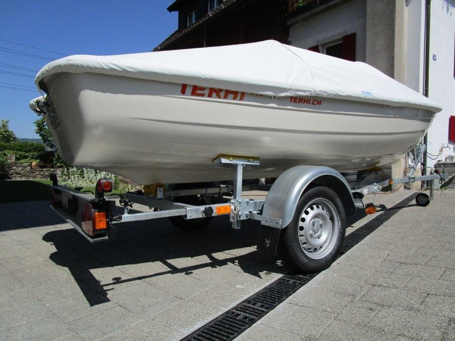 Terhi 440 Ruderboot Hafenpersenning (Trockenplatz)