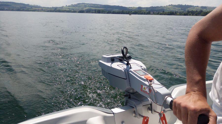 Terhi 440 Ruderboot mit Elektroantrieb auf dem Sempachersee