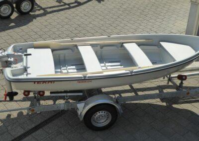 Terhi 440 Ruderboot mit Elektroaussenborder