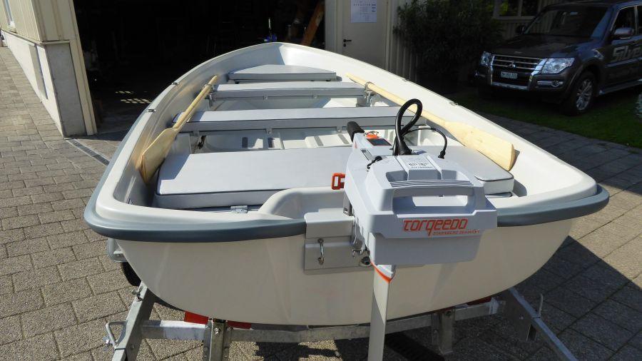 Terhi 440 Ruderboot mit Elektroantrieb