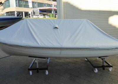 Terhi 440 Ruderboot Massgeschneiderte  Hafenpersenning (für Wasserlieger)