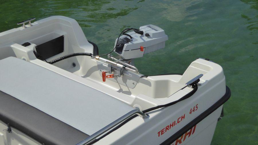Terhi 445 C Familienboot mit Elektroantrieb