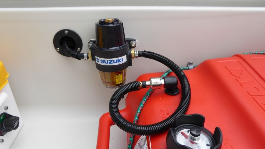 Terhi 450 C Familienboot - Tank / Wasserabscheider und Benzinfilter