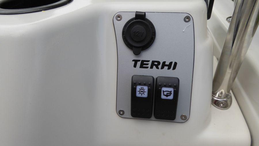 Terhi 450 C Familienboot - Schalter