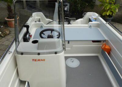 Terhi 450 C Familienboot mit Windschutzscheibe