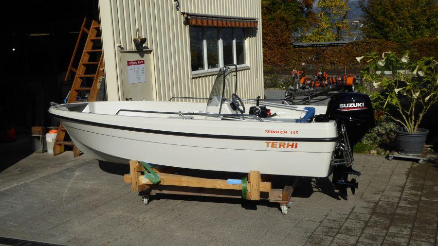 Terhi 450 C Familienboot - Seitenansicht