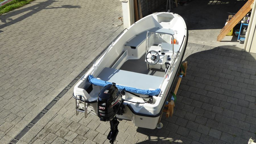 Terhi 450 C Familienboot aus der Vogelperspektive