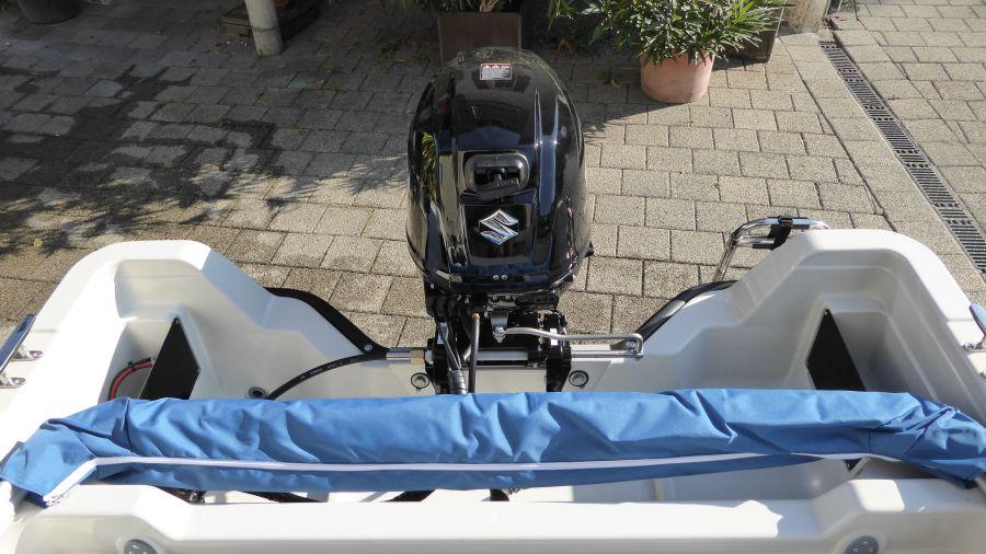 Terhi 450 C Familienboot - Sonnenbimini schlank verpackt