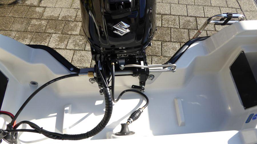 Terhi 450 C Familienboot - Aussenborder montiert