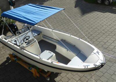 Terhi 450 C Familienboot mit Sonnenbimini