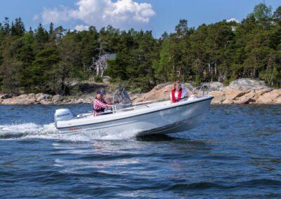 Terhi 450 CC Motorboot im Einsatz