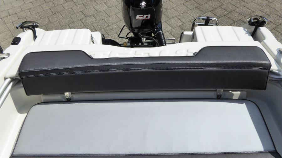 Terhi 475 BR Familienboot - Sitzfläche