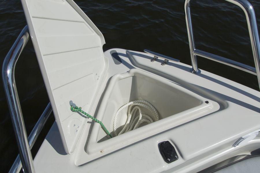 Terhi 475 BR Familienboot - Ankerkasten