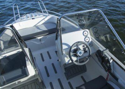 Terhi 475 BR Familienboot - Steuerstand