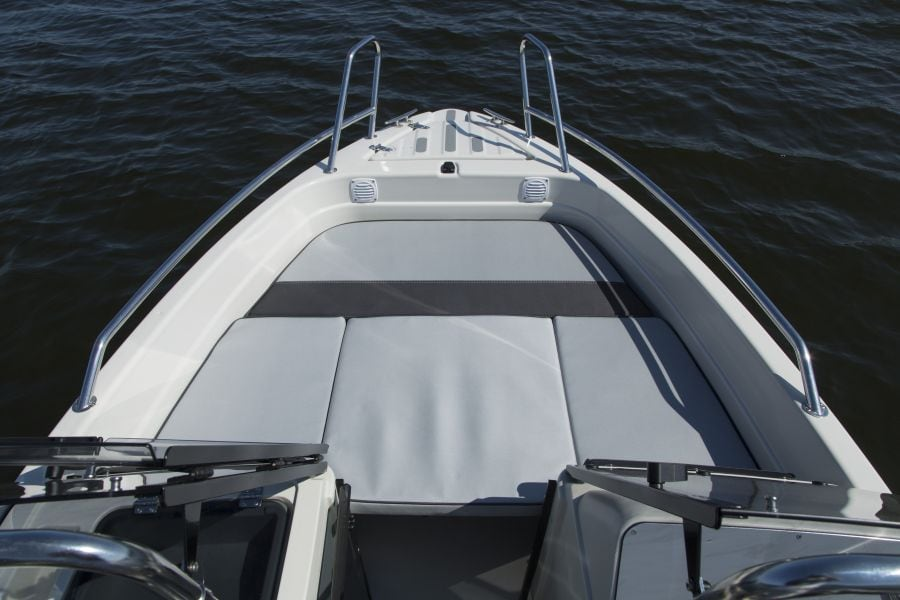 Terhi 475 BR Familienboot mit Sitzkissen
