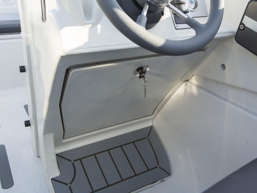 Terhi 475 BR Familienboot - abschliessbares Handschuhfach
