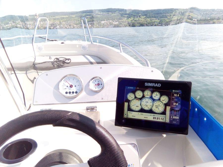 Terhi Twin C Konsolenboot - Ansicht Cockpit