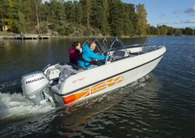 Terhi Twin C Konsolenboot im Einsatz