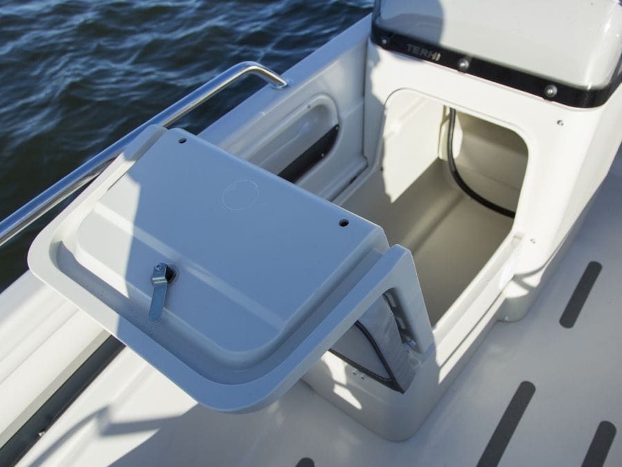 Terhi Twin C Konsolenboot mit Aufbewahrungsfach