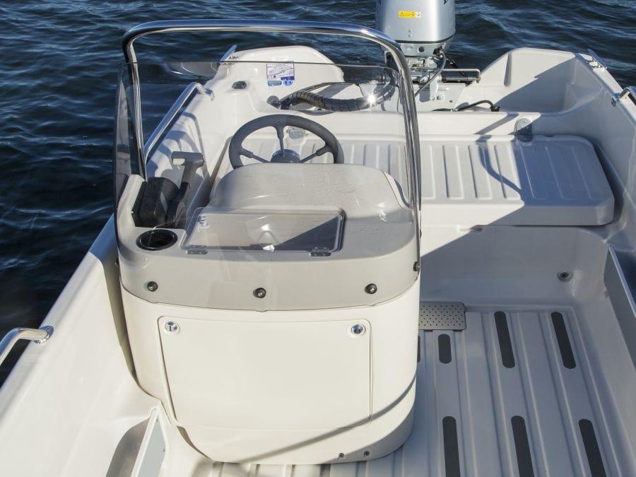Terhi Nordic 6020C Fischerboot - Steuerstand
