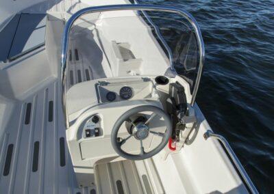 Terhi Nordic 6020C Fischerboot - Ansicht windgeschuetzer Steuerstand