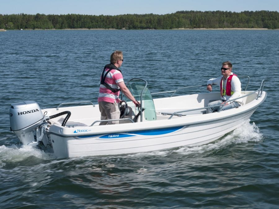 Terhi Nordic 6020C Fischerboot im Einsatz