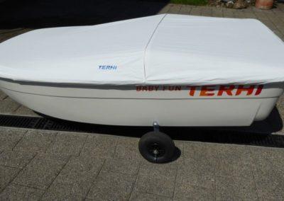 Terhi Tender Beiboot mit Persenning und Alubügel