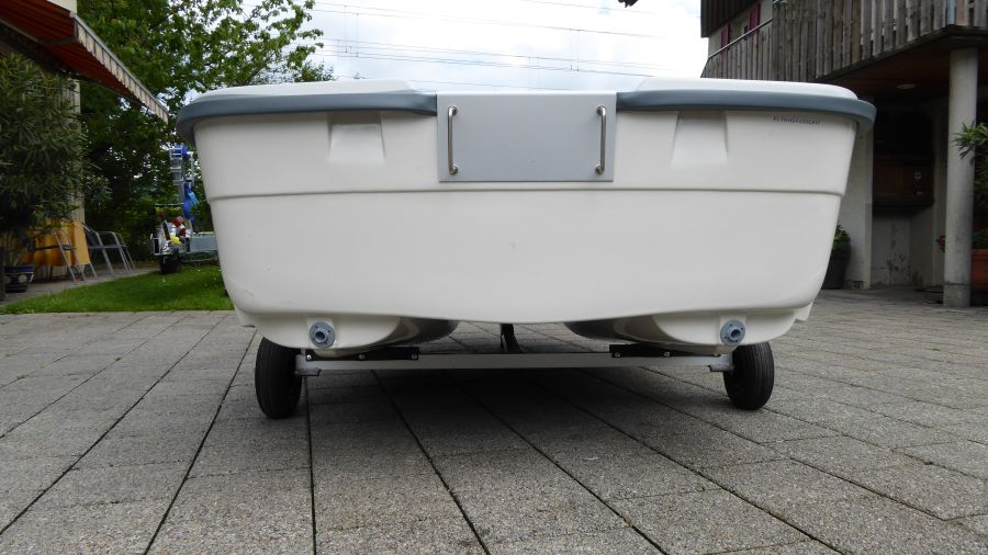 Terhi Tender Beiboot - stabile Katamaran Konstruktion