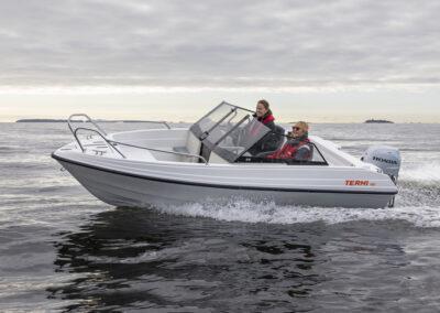 Terhi 480 für alle Gewässer - Kategorie C Unsinkbares Sportboot mit Aussenborder