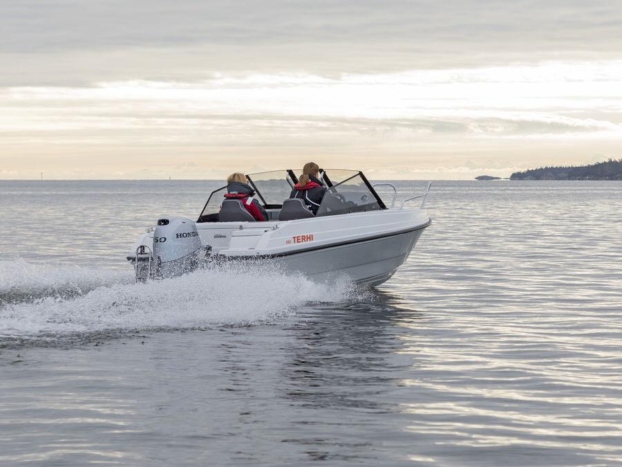 Terhi 480 BR Familienboot mit Aussenborder
