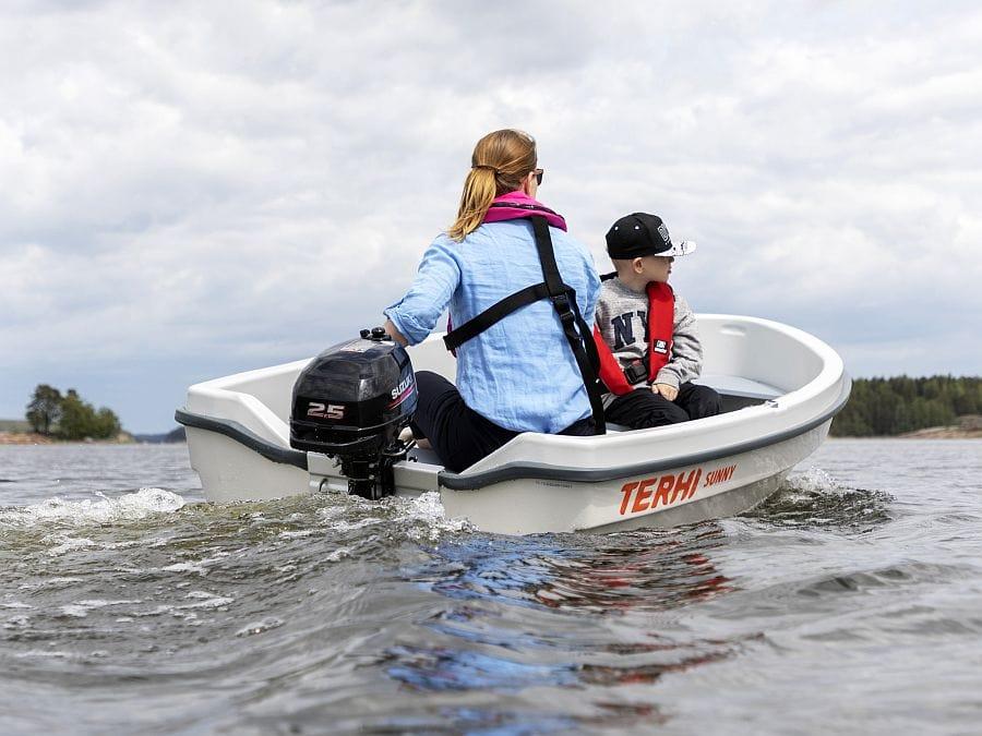 Terhi sunny Kleinboot mit Suzuki