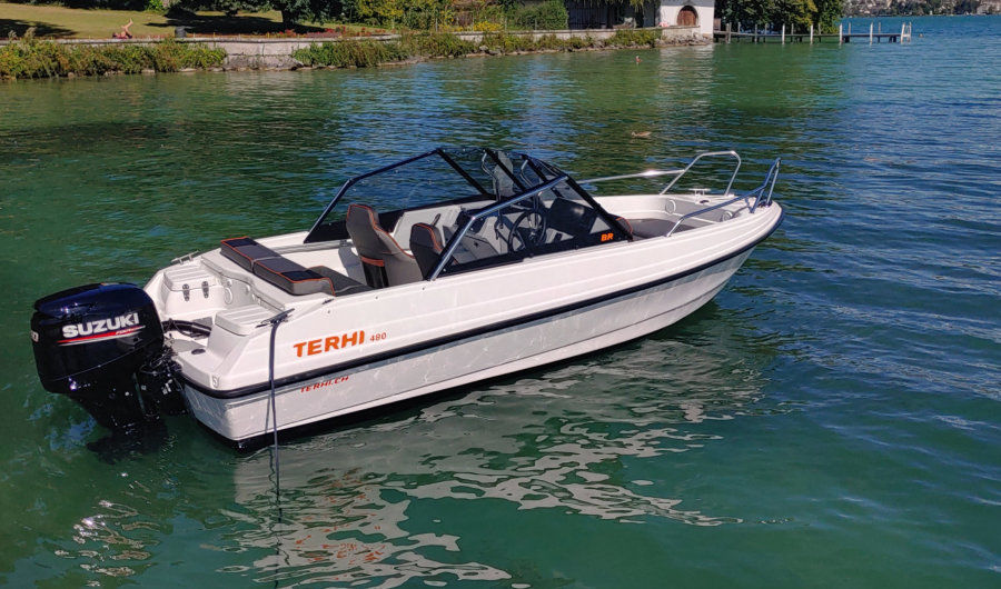 Terhi 480Br schmales Sportboot