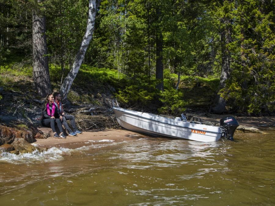 Finnisches kleines Motorboot Terhi 400C