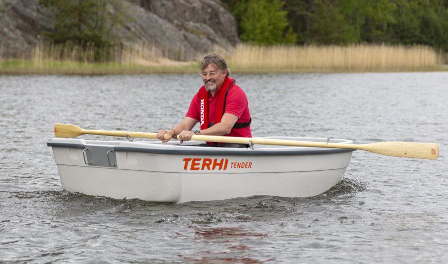 Stabiles Beiboot Terhi Tender mit Ruder